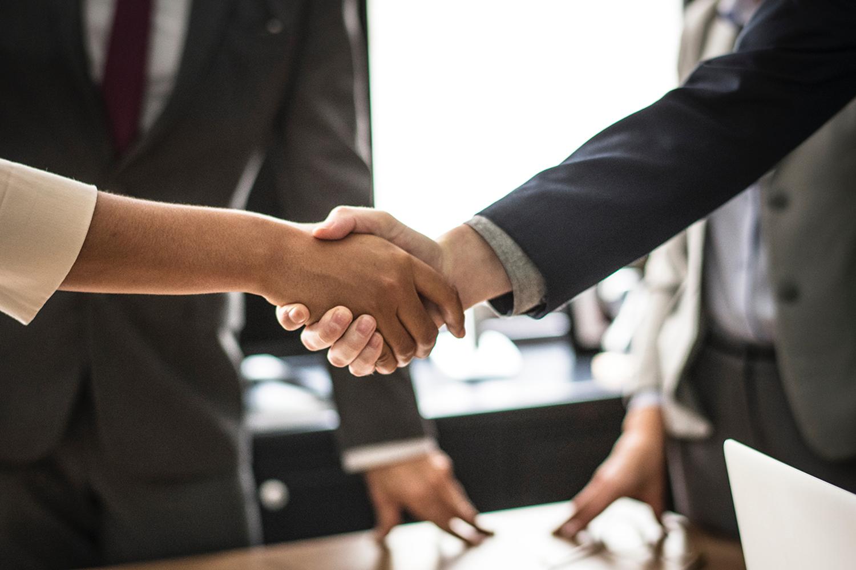 Learning People | Handshake in office