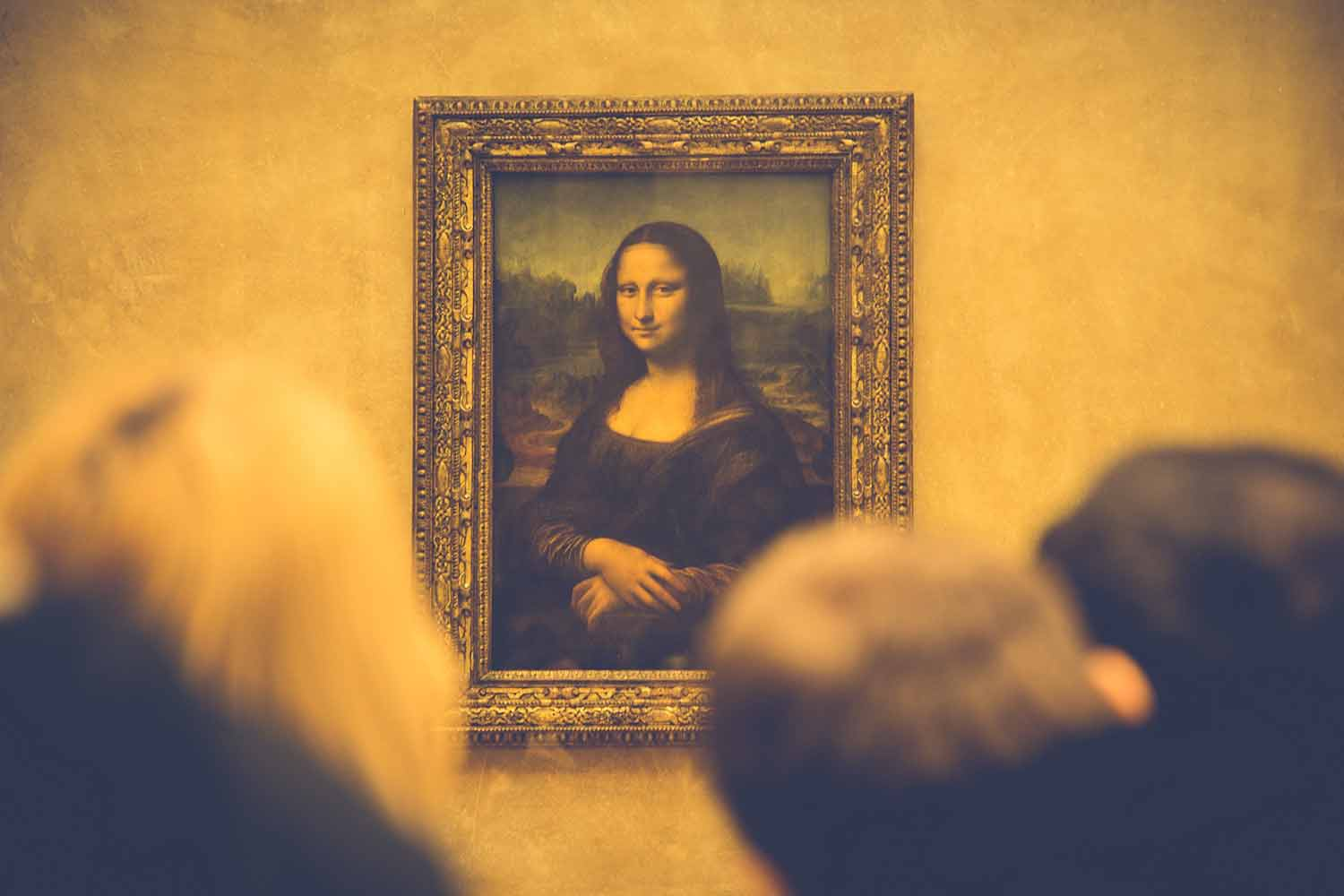 mona-lisa-in-art-gallery.jpg