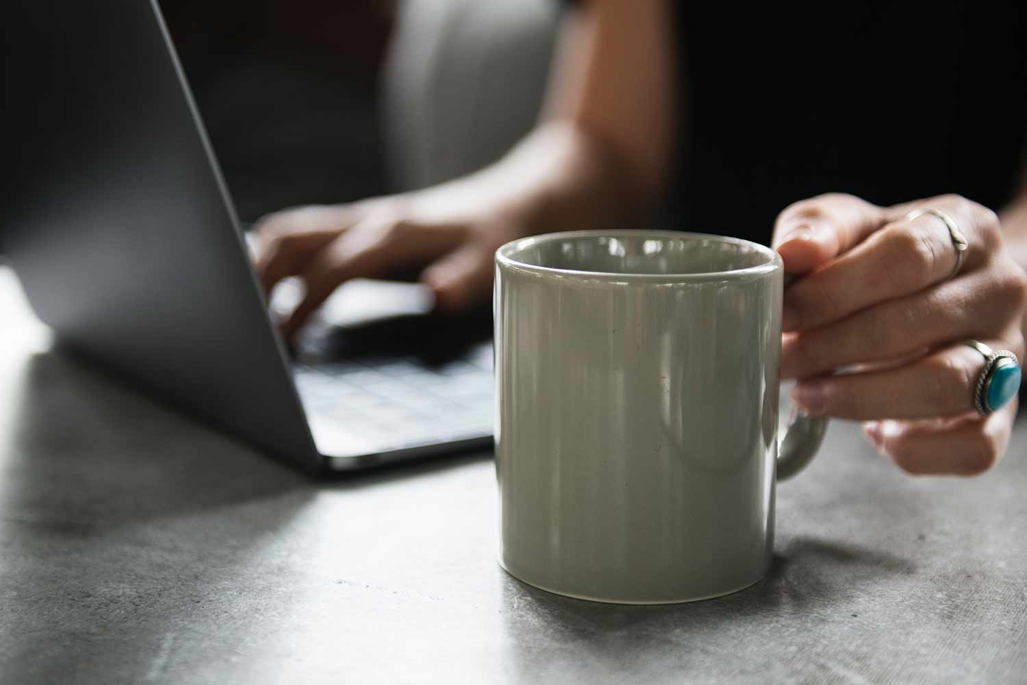 coffee-cup-x-laptop